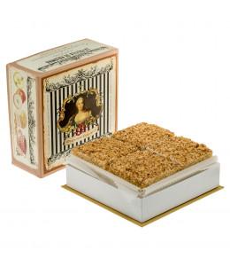 """Пастильные пирожные """"Прекрасная Елисавет"""" с орехом"""